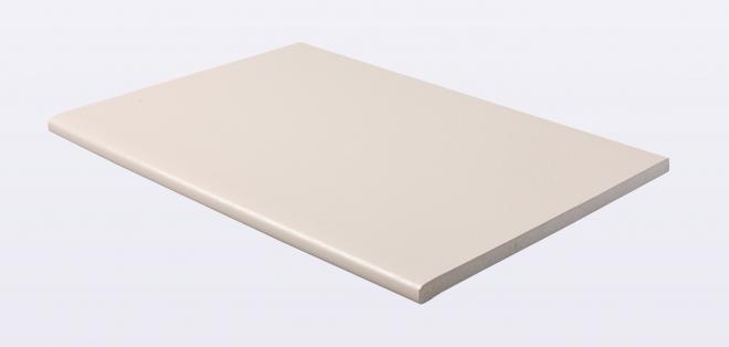 Kestrel lance des profilés en blanc et crème structurés