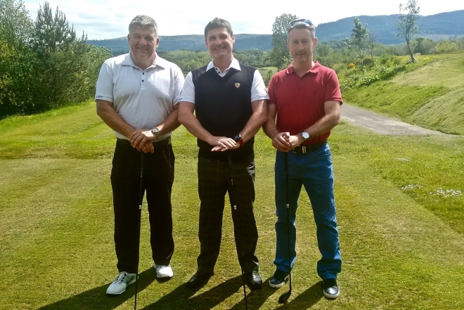 Kestrel manager tees off for cancer charity